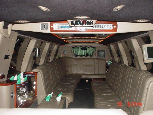 Excursion Hummer Escalade